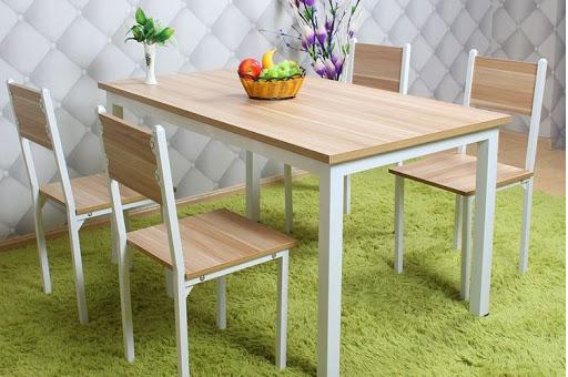 Mặt bàn ăn gỗ công nghiệp đơn giản, dễ vệ sinh